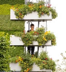 Vertical Window Garden Chelsea Flower Show 2011 B Q S Garden Takes Top Prize