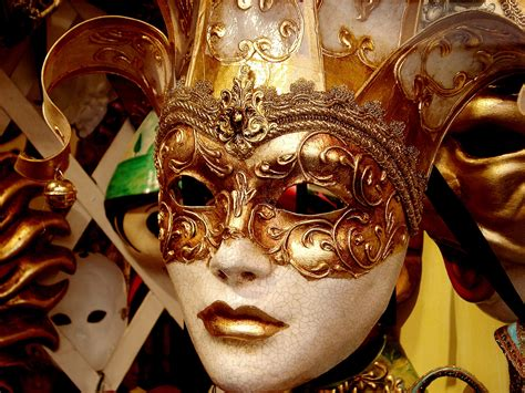 Masker Inaura out your masks and for mardi gras longisland