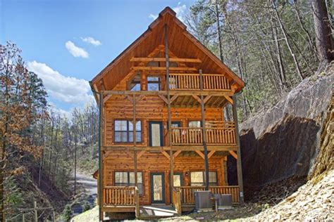 Rental Cabins Pigeon Forge by Theater Cabin Rental Secluded Cabin In Pigeon Forge