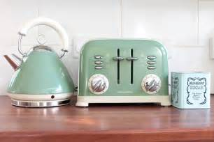 Delonghi Vintage Icona Kettle And Toaster Set Delonghi Green Kettle And Toaster Set