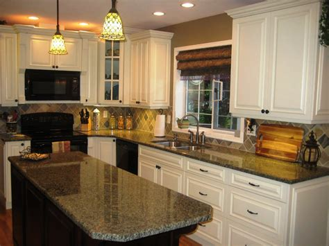 pictures of cream colored kitchen cabinets antique white chocolate glaze kitchen traditional