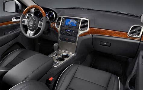 jeep grand interni jeep grand la storia auto story panoramauto