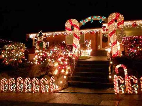outdoor christmas lighting ideas for your roof