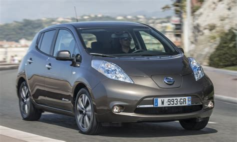 range of nissan leaf 2015 2016 nissan leaf gets 25 range now 250 km image 378347