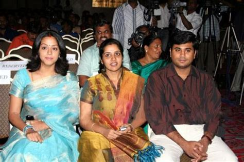 actor jyothika sister photos surya family photos images childhood photos wallpapers pics