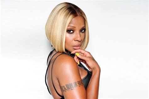 mary j blige listen to free music by mary j blige on listen to mary j blige and kanye s new song love