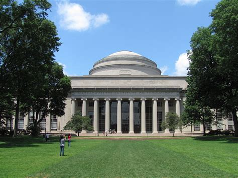 Mit Mba by File Mit Building 10 And The Great Dome Cambridge Ma Jpg