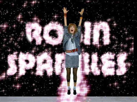 testo e traduzione let go robin sparkles let s go to the mall traduzione how i