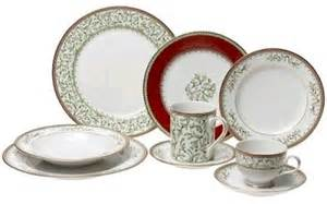 Shopping for microwave safe dinnerware