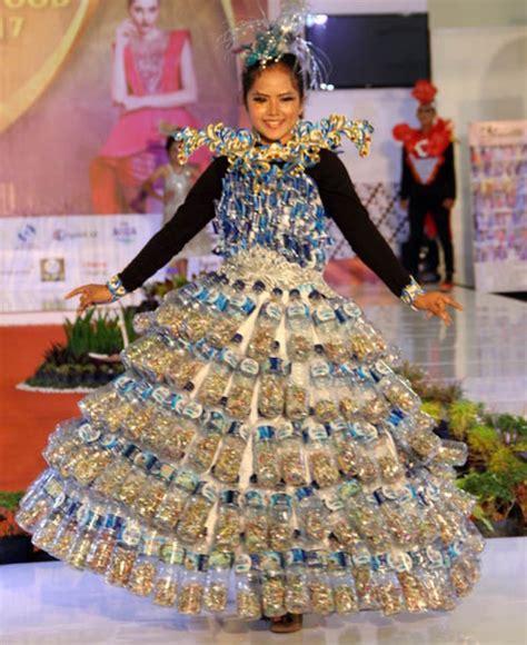 Fashion Baju Daur Ulang parade busana unik dari sah daur ulang di biff 2017 hargo