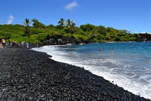 black sand beaches hawaii black sand hawaii places to visit