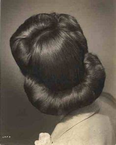 when were doughnut hairstyles inverted 1940s hairstyles for women s to try once in lifetime