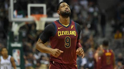 nba bench points dwyane wade cavaliers guard will come off the bench si com