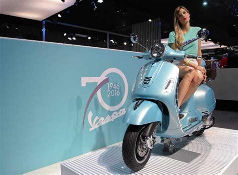 3 motor vespa edisi ulang tahun siap masuk indonesia sepeda motor vespa 3 vespa spesial 70 tahun masuk