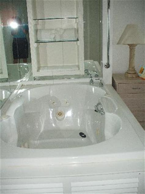 bathtub louisiana jacuzzi tub in bedroom picture of diamond jack s