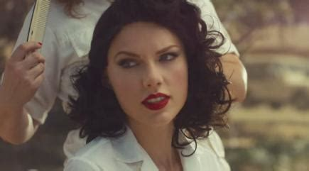 celebitchy taylor swift debuted her new video wildest taylor swift goes brunette and all retro in new wildest