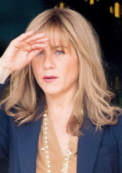 jennifer aniston triangle bangs jennifer aniston with bangs see her latest hair look