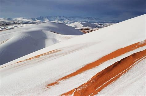 snowfall in sahara desert cold snap brings snowfall to the sahara desert for the