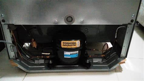 Harga Toshiba Glacio Mini jual kulkas mini glacio xd7 toshiba bekas kulkas