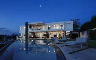 bel air mansion los angeles 27 5 million newly built modern mansion in los angeles