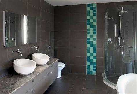 arredo bagno grigio 20 idee di arredamento bagno in grigio mondodesign it
