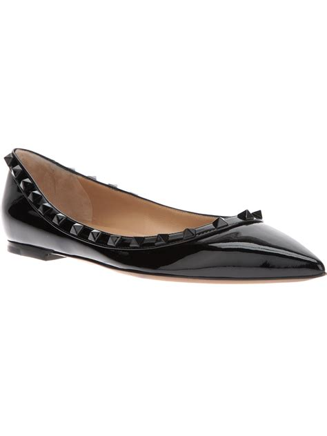 studded flats shoes valentino studded ballerina flats in black lyst