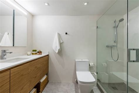 Modern Narrow Bathroom Design 25 Narrow Bathroom Designs Decorating Ideas Design