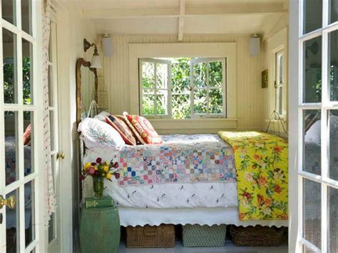 tiny house decorating tiny lake cottage bedroom decor ideas tiny lake cottage