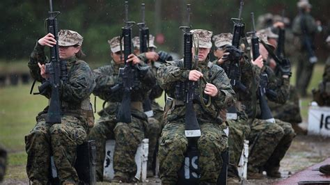 us marine corps boot c final test the crucible youtube marines most female recruits don t meet new pullup