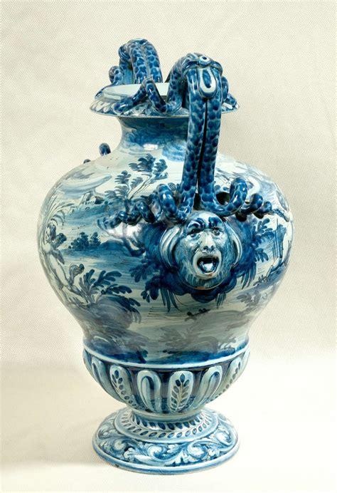 Majolica Vases by Cantagalli Italian Majolica Urn Shaped Vase At 1stdibs