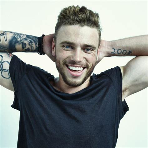 nike makes custom rainbow ski goggles for gus kenworthy