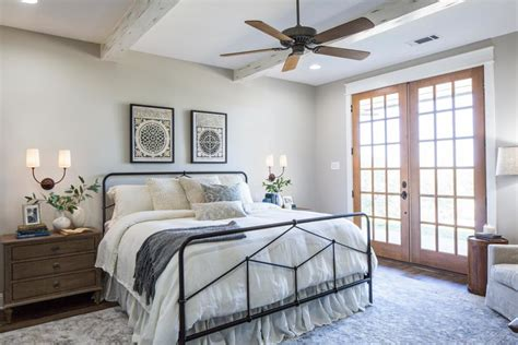 Inspiring Joanna Gaines Bedroom Ideas Concept