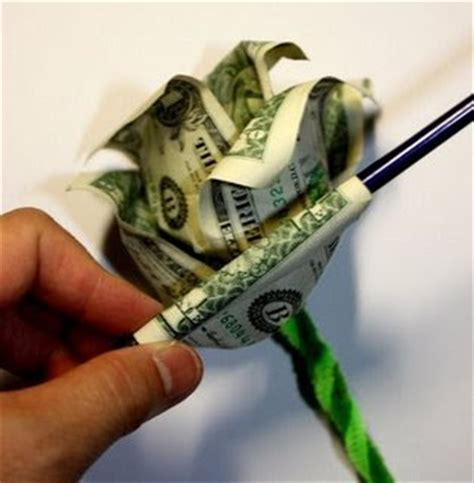 Money Origami Roses - world wide wednesday ways to give money the