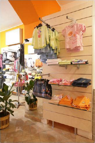 arreda negozi calenzano arreda negozi calenzano arredi per negozi nuovo