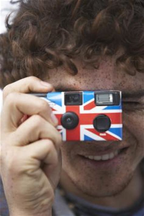 how to develop a disposable camera at home | ehow uk
