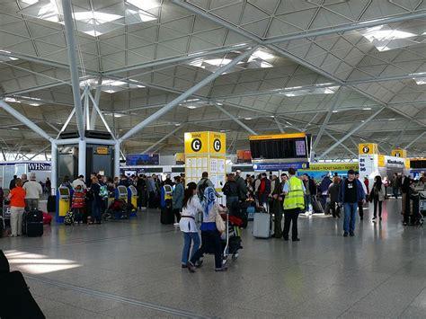 Background Check On Ex New Partner Letiště Lond 253 N Stansted Stn R 225 Di Cestujeme Nejen