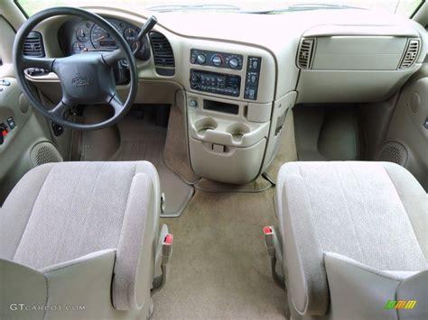 Astro Interior by 2004 Chevrolet Astro Ls Passenger Interior Photo