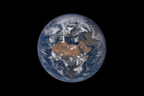 la terre et des 285197369x contemplez la terre comme thomas pesquet mais de beaucoup plus haut science vie