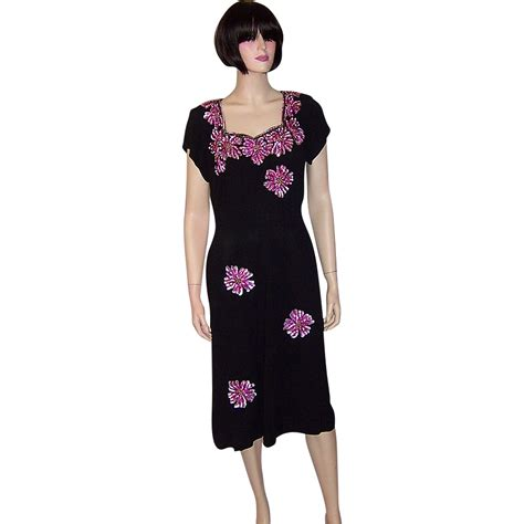 Porcelaine Dress Shoulder Bhn Crepe L 1940 s black crepe dress with large fuchsia colored