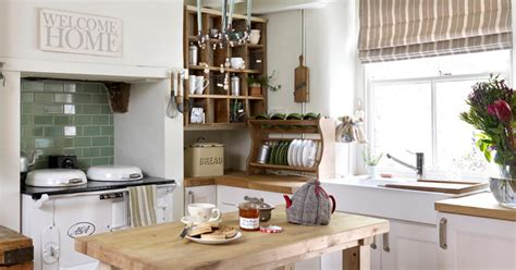 arredare casa in stile country cucine country donna moderna