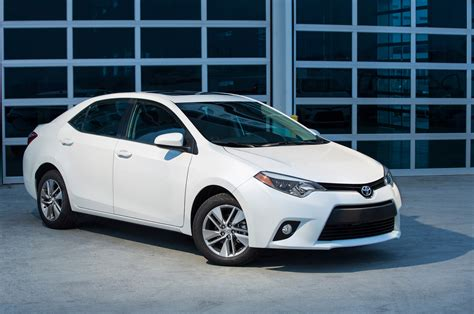2015 Toyota Corolla Le 2015 Toyota Corolla Reviews And Rating Motor Trend