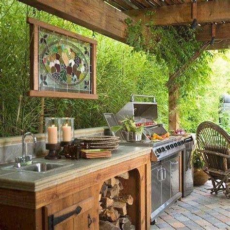 simple outdoor kitchen ideas best 25 outdoor kitchens ideas on