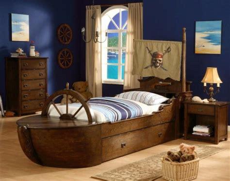 kinderzimmer junge schiff piraten kinderbett macht so viel spa 223