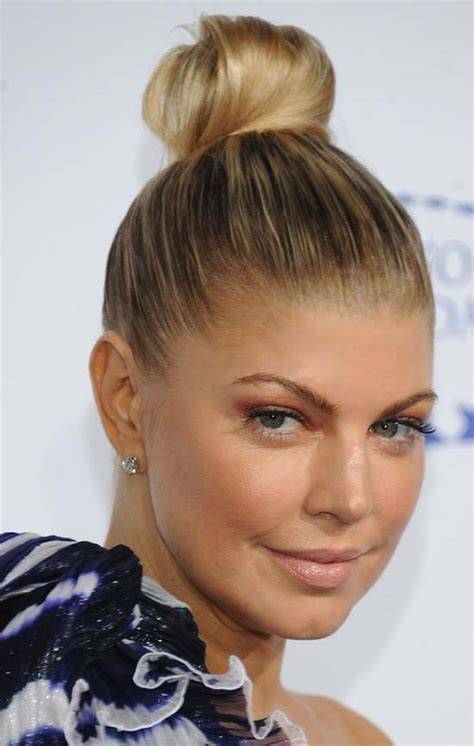 easy messy buns for shoulder length hair top 18 fergie hairstyles haircuts that will inspire you