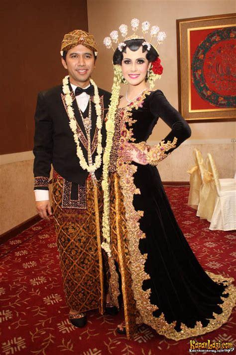 Krisdayanti Kaftan Indonesia Javanese Wedding