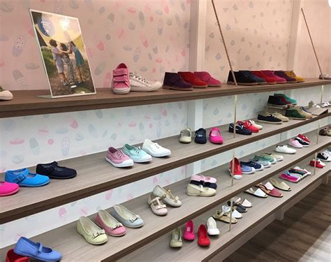 imagenes zapaterias infantiles pisamonas tu tienda de zapatos infantiles en bilbao