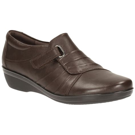 clarks womens everlay brown leather casual shoe