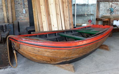 overnaadse roeiboot afb vletten