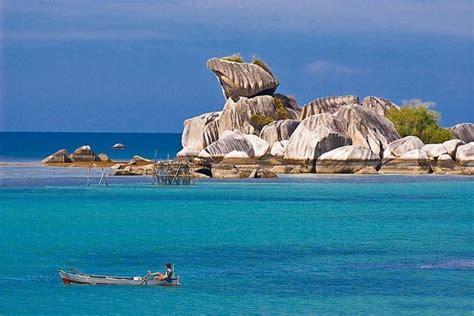 saatnya kamu liburan berwisata pantai indonesia