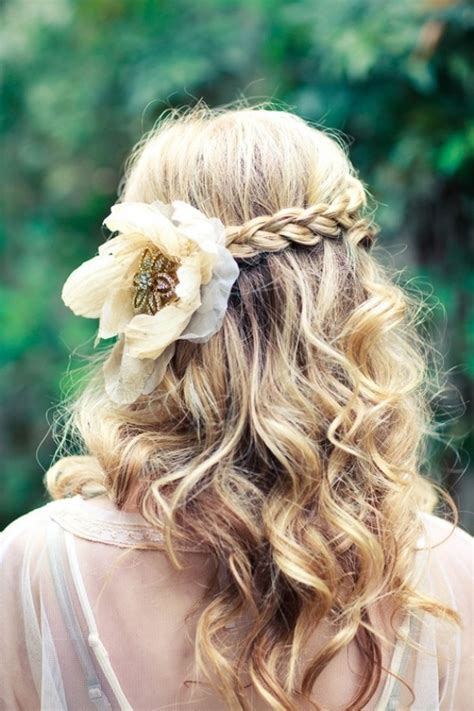 Wedding Hair Braid With Flowers by How To Wear Flowers In Your Hair Inspiration For The Boho